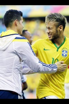 Neymar and James I wanna be in the middle of that sandwich Neymar Jr, Soccer Stars, Football Soccer, Fc Barcelona Neymar, James Rodriguez, National Football Teams, Fifa World Cup, Soccer Players, American Football