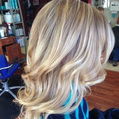 Love this shade of blonde..too bad blonde doesn't look good on me
