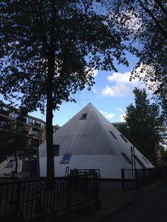 De #Haarlemmerbuurt heeft zelfs een #piramide http://www.facebook.com/Haarlemmerbuurt