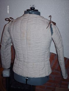 gambeson, back view