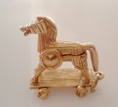 9ct Gold Trojan Horse and Solders Rare Opening Charm - hallmarked Maker BLD London 1967