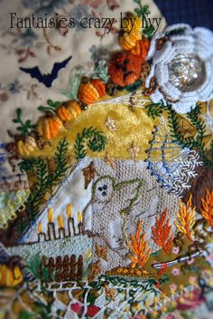 crazy quilting Halloween, by Évelyne Mauvilly