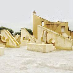 Richard Christiansen and Vanessa Holden  Jantar Mantar, the astronomical observatory of Maharaja Sawai Jai Singh II 1728