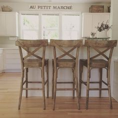 Farmhouse kitchen island decor bar stools 35 new ideas Farmhouse Kitchen Island, Stools For Kitchen Island, Farmhouse Decor, Farmhouse Ideas, Farmhouse Chairs, Farmhouse Kitchens, Kitchen Counters, Farmhouse Design, Kitchen High Chairs