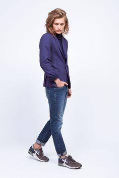 Blazer y jeans #EduardoRivera y zapatillas #Diadora. #fashionmen #menswear #cute #stylish