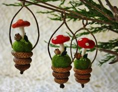 cute mushroom ornaments Felt Christmas, Homemade Christmas, Vintage Christmas, Christmas Holidays, Woodland Christmas, Felt Crafts, Easter Crafts, Diy And Crafts, Crafts For Kids