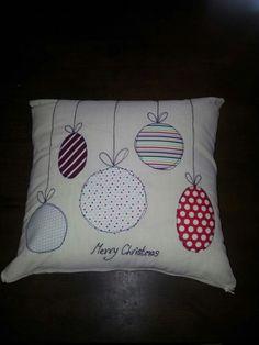 Free motion applique christmas cushion