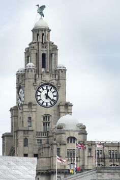 Free Stock Photo: Tall clock tower and domes on the Liver Building in the United Kingdom city of Liverpool - By freeimageslive contributor: photoeverywhere Liverpool History, Liverpool Home, Southport, Gcse Art, Famous Places, Gotham City, Beautiful Buildings, Free Stock Photos, Islamic