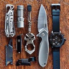 I want to get that knife. I like the kit overall.
