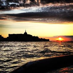 Sunset over Mulino Stucky from Giudecca | Tramonto su Mulino Stucky dalla Giudecca