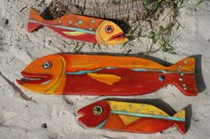 Timber Fish Bait by CoolBreezeStudio on Etsy Driftwood Fish, Painted Driftwood, Folk Art Fish, Fish Art, Fish Crafts, Beach Crafts, Palm Frond Art, Underwater Art, Wooden Fish