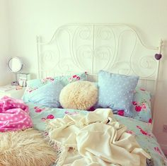 Cute for any girls bedroom!!