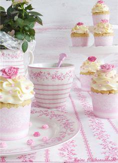 Himbeer-Brause Cupcakes mit weißer Schokolade Buttercreme | Meine Küchenschlacht