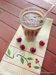 chocolate milkshake, cherry milkshake, chocolate cherry milkshake, gluten free, dairy free, raw, vegan, recipe, dessert, Raw Foods Thursdays,