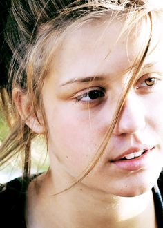 La vie d'Adèle Exarchopoulos-blue is the watmest color.