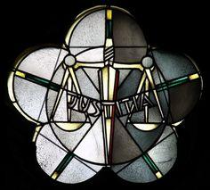 Glasmalerei Die Karinaltugenden: Justitia - Gerechtigkeit. Wilhelm Schmitz-Steinkrüger, 1952 Fenster im Querschiff, Antikglas/Blei/Schwarzlot