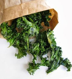 Kale is the godfather of the leafy greens. It is filled with an abundance of vitamins, high in iron, calcium and powerful antioxidants. Don't know what to do with this powerful leafy green? Discover 5 ways to embrace the kale in your diet!