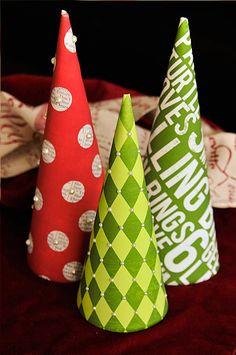 Easy Paper Christmas Tree!