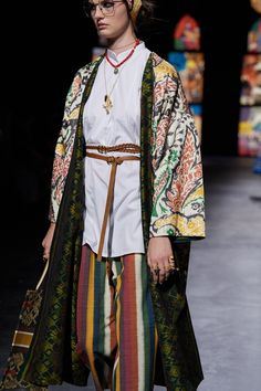 Christian Dior Spring 2021 Ready-to-Wear collection, runway looks, beauty, models, and reviews. Dior Fashion, Fashion Art, Fashion Show, Christian Dior, Vogue Paris, Emilio Pucci, Jil Sander, Mannequins, Denim Shirt