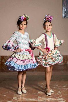 Guapas. Flamenco Party, Flamenco Dancers, Flower Dresses, Dance Dresses, Flamenco Dresses, Spanish Hairstyles, Clown Clothes, Tiny Dancer, Gowns Of Elegance