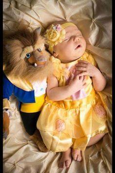 Really cute newborn picture idea