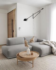 Home Decoration With Wood Minimalist Home Interior Design.Home Decoration With Wood Minimalist Home Interior Design Interior Design Living Room, Living Room Designs, Living Room Decor, Beige Sofa Living Room, Scandi Living Room, Nordic Interior Design, Bedroom Decor, Living Room Lighting, Living Pequeños