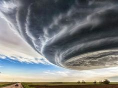 Breathtaking Supercell Storm Photos Captured in US by Storm Chaser Marko Korosec