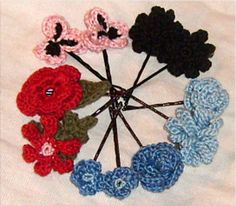 Small crocheted flowers pattern