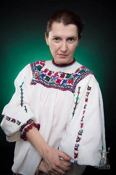 Cristina wears a 200 years old traditional blouse that she got as a present! Isn't it amazing? Cool Pictures, Cool Photos, International Day, Beautiful People, Traditional, Studio, Celebrities, Blouse, Amazing