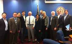 At City Hall with San Diego Mayor Jerry Sanders and local Incubator / Accelerator community (Startup Circle)