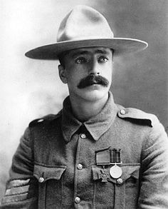 Boer War Picture, Sergeant Arthur H. Richardson, Strathcona's Horse (Canadian) winner of the Victoria Cross for bravery at Wolve Spruit, 5 July Canadian Soldiers, Canadian Army, Canadian History, British Army, Military Army, Military History, Pax Britannica, Clan Buchanan, Military Decorations
