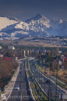 Into the heart of the mountains. Mountains, City, Heart, Nature, Travel, Pictures, Naturaleza, Viajes, Cities