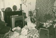 Sinterklaasfeest, circa 1960-1961.  Digitale fotocollectie 90 jaar huishouden en wonen in Fryslân, fotonummer VVN 232.