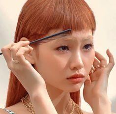 Vogue Korea, Vogue Spain, Hairstyles With Bangs, Cool Hairstyles, Winter Hairstyles, Pretty People, Beautiful People, Bleached Eyebrows, Blonde Eyebrows