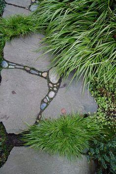 50 Rocks And Stone Walkway Design Ideas Garden Paths, Garden Art, Garden Landscaping, Garden Grass, Mosaic Garden, Stone Walkway, Stone Pathways, Flagstone Pathway, Design Jardin
