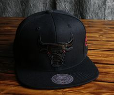 Chicago Bulls Mitchell & Ness Patent Leather Logo Snapback Hat
