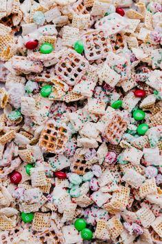 White Chocolate Chex Mix is the ultimate party in a bowl that is irresistible after one bite. This fun combination of sweet and salty layered in melted white chocolate will take your party up a notch. Trash Mix Recipe, White Trash Recipe, Christmas Chocolate, Christmas Sweets, Christmas Cooking, Xmas, Christmas Candy, Christmas Ideas, Snack Mix Recipes
