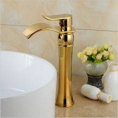 88.20$  Watch here - http://ali8es.worldwells.pw/go.php?t=32438146474 - becola Brand Design Waterfall Bathroom Golden Faucet Single Handle Vanity Sink Mixer Tap B-1002M 88.20$