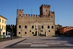 The story of the Chess Game dates back, when Marostica belonged to the Venetian Republic.