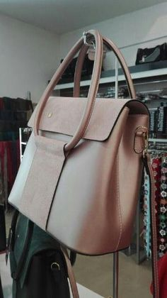 leather purses and handbags Leather Purses, Leather Handbags, Leather Backpack, Leather Wallet, Diy Handbag, Leather Bags Handmade, Leather Fashion, Purses And Handbags, Fashion Bags