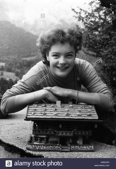 Download this stock image: Schneider, Romy, 23.9.1938 - 29.5.1982, German actress, half length, 1950s, (birth name: Rosemarie Magdalena Albach Retty), cine - ardcph from Alamy's library of millions of high resolution stock photos, illustrations and vectors.