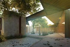 taco: taller de arquitectura contextual con reyes ríos y larraín arquitectos.     / casa axial, mérida yucatán