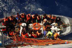Migranti, la nave Aviere soccorre 239 migranti nel mediterraneo Centrale | Report Campania