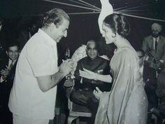 #muvyz050617 #BollywoodFlashback #mohdrafi #ashaparekh #dilipkumar (apna archive) #instadaily #instagood #instapic #muvyz