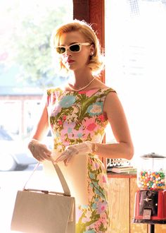 mad men dresses/outfits » 3x07 betty draper                                                                                                                                                                                 More
