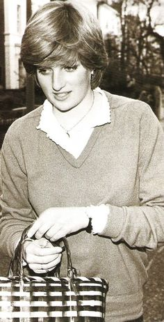 Lady Diana during courting of Prince Charles. Elizabeth Ii, Prince Charles, Prince Harry, Royal Princess, Princess Charlotte, Lady Diana Spencer, Spencer Family, Prince Of Wales, Isabel Ii
