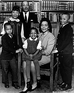 Kings weduwe Coretta Scott King, die na zijn dood zijn werk voortzette, overleed op 30 januari 2006 op 78-jarige leeftijd in Mexico. Het echtpaar had twee dochters en twee zonen. Een van de dochters, Yolanda King, overleed op 15 mei 2007 in Santa Monica op 51-jarige leeftijd aan een hartaanval.