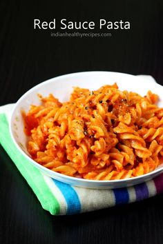 red sauce pasta made with tomatoes, bell pepper & herbs. Simple, delicious, healthy & vegan red sauce pasta by swasthi Read Pasta Recipes For Kids, Kids Pasta, Lunch Box Recipes, Easy Dinner Recipes, Easy Meals, Simple Pasta Recipes, Meatless Pasta Recipes, Tortellini Recipes, Macaroni Recipes