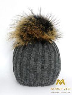 Dámska čiapka s bambuľou z pravej kožušiny 5057/84