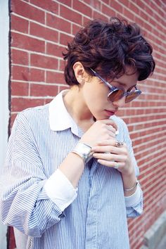 20 Stylish Wavy & Curly Pixie Cuts for Short Hair
